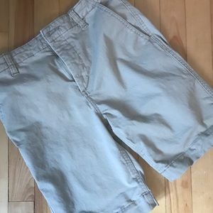 Size 16 Gap boys shorts in excellent condition